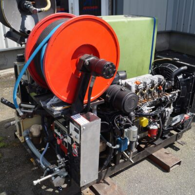 3600 psi @ 14 gpm jetter with radio remote