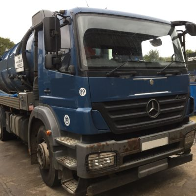 2010 (10 plate) Mercedes Axor 2629 6x4  with 3000 galls Whale vacuum tank with 200 galls fresh water